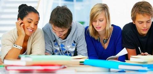 jovenes estudaintes de fp grado medio